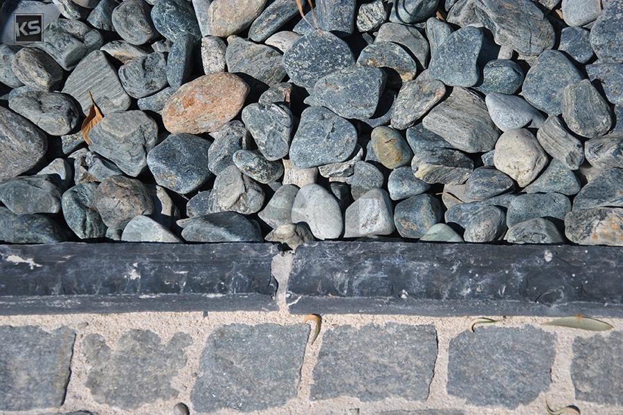 pouzzolane noire de pierre volcanique pour jardins. Black Bedroom Furniture Sets. Home Design Ideas