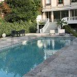 dallage terrasse et piscine en travertin cendre kei-stone aix-en-provence pertuis tours auxerre lyon sarlat hossegor