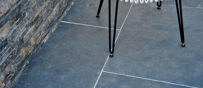 black-soft-dallage-de-pierre-ntaurelle-terrase-et-piscine-kei-stone-6
