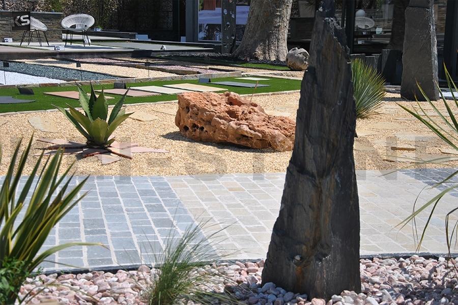 pierre plant e monolithe en pierre naturelle noire de schiste. Black Bedroom Furniture Sets. Home Design Ideas