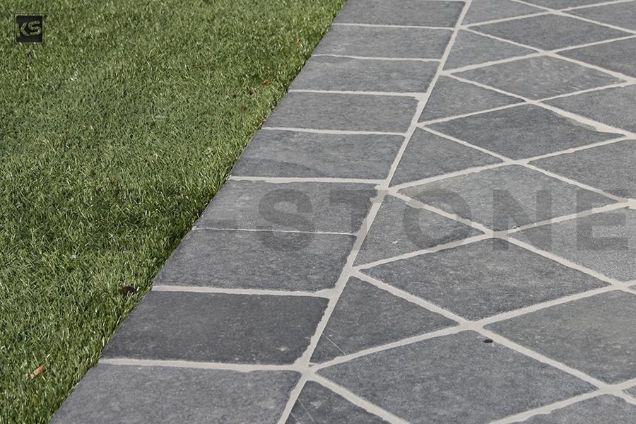 pavés bleu asie pierre naturelle kei stone aix en provence pertuis lyon auxerre hossegor sarlat tours